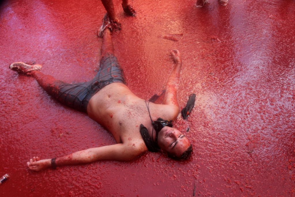 tomatina-festival-spain-bunyol-tomatoe-fight-5
