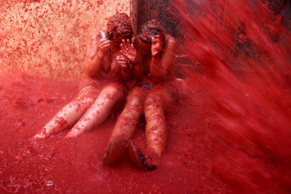 tomatina-festival-spain-bunyol-tomatoe-fight-6